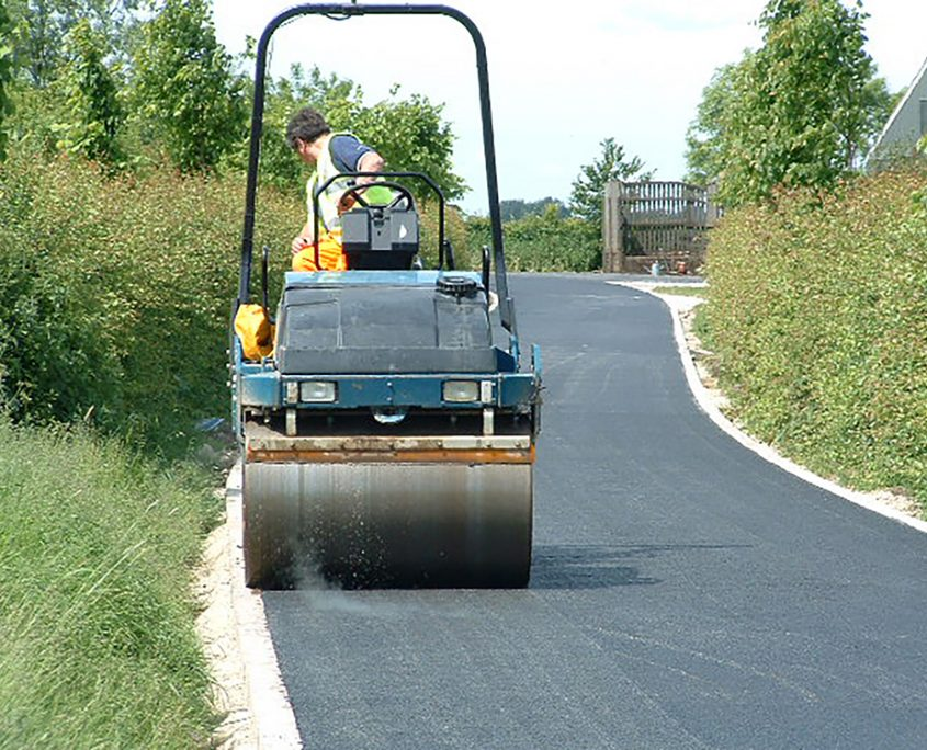 bowlby-equine-equestrian-supplies-oxfordshire-design-construction-management-of-equestrian-farm-building-projects-asphalt-road-surface