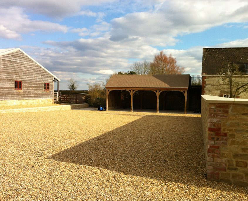 bowlby-equine-equestrian-supplies-oxfordshire-design-construction-management-of-equestrian-farm-building-projects-wall-barn-garages